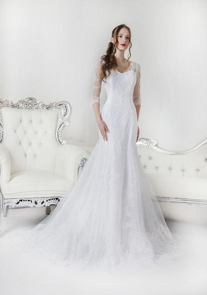 Svatební šaty s rukávy s krajkou rybičkového střihu